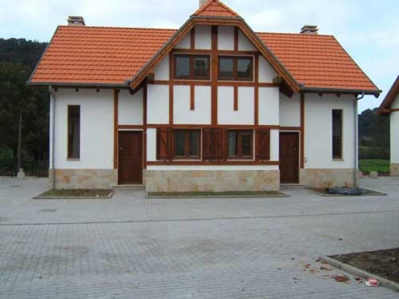 Adosado en venta en Val de San Vicente  de 2 Habitaciones, 2 Baños y 89 m2 por 195.000 €.