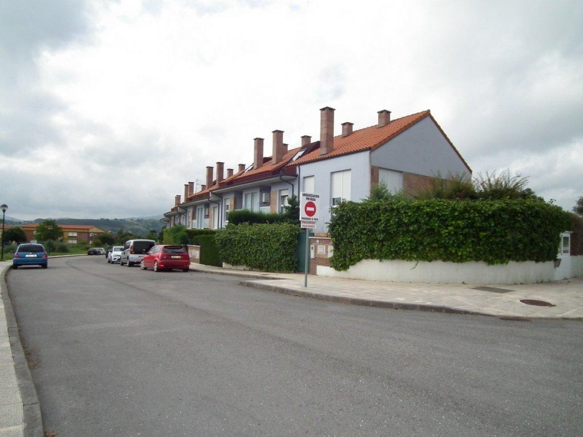 Piso en venta en Santillana Del Mar  de 3 Habitaciones, 2 Baños y 102 m2 por 94.000 €.