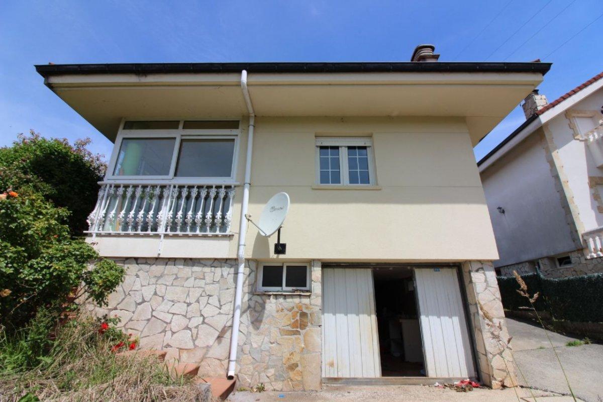 Casa en venta en San Mames De Meruelo  de 3 Habitaciones, 1 Baño y 153 m2 por 183.500 €.