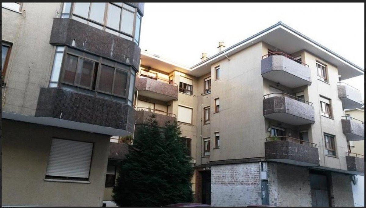 Piso en venta en Polanco  de 3 Habitaciones, 1 Baño y 107 m2 por 125.260 €.