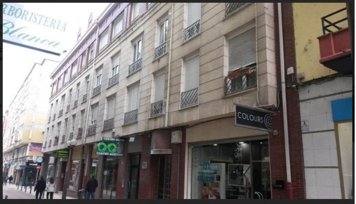 Duplex en venta en Torrelavega  de 2 Habitaciones, 1 Baño y 71 m2 por 114.400 €.