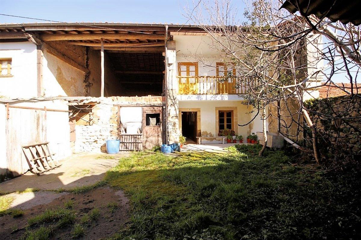 Casa en venta en Valdaliga  de 4 Habitaciones, 1 Baño y 440 m2 por 130.000 €.