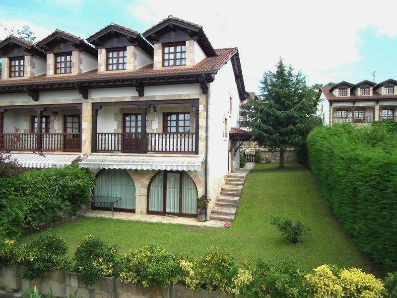 Chalet en venta en San Vicente De La Barquera  de 4 Habitaciones, 2 Baños y 163 m2 por 345.000 €.