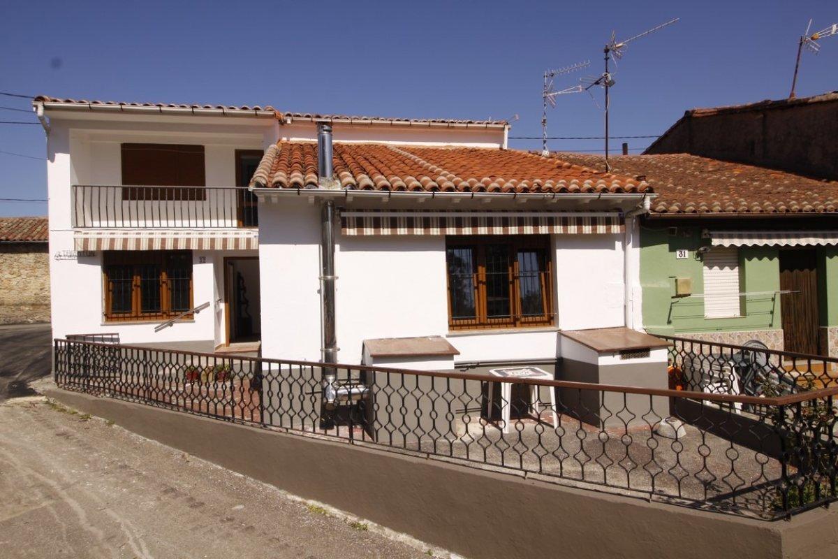 Casa en venta en San Vicente De La Barquera  de 6 Habitaciones, 1 Baño y 191 m2 por 158.000 €.