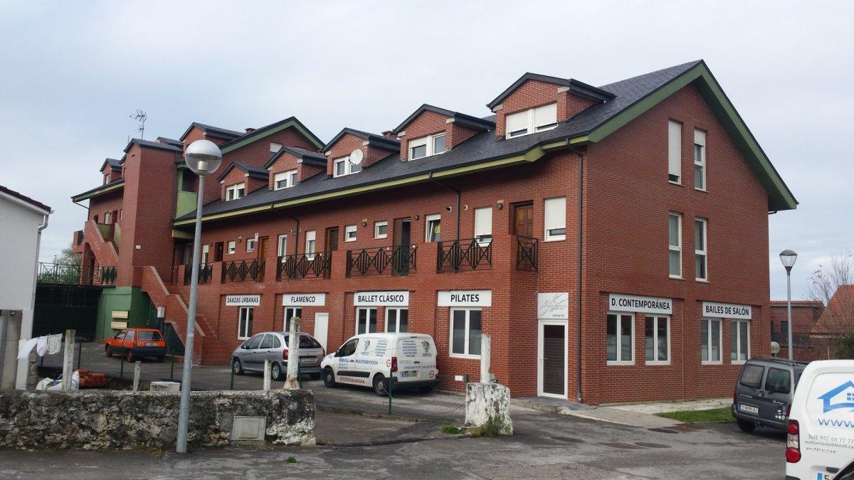 Duplex en venta en Barcenilla De Pielagos  de 3 Habitaciones, 2 Baños y 89 m2 por 117.000 €.