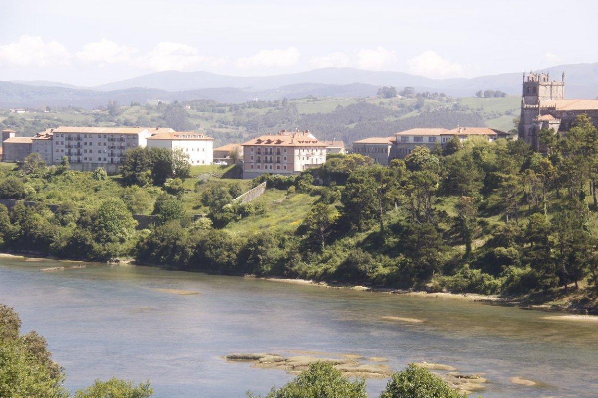 Piso en venta en San Vicente De La Barquera  de 2 Habitaciones, 2 Baños y 82 m2 por 138.000 €.