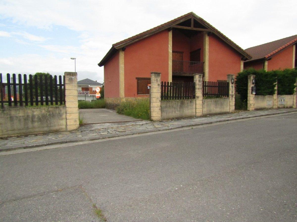 Chalet en venta en Suances  de 4 Habitaciones, 3 Baños y 150 m2 por 178.139 €.