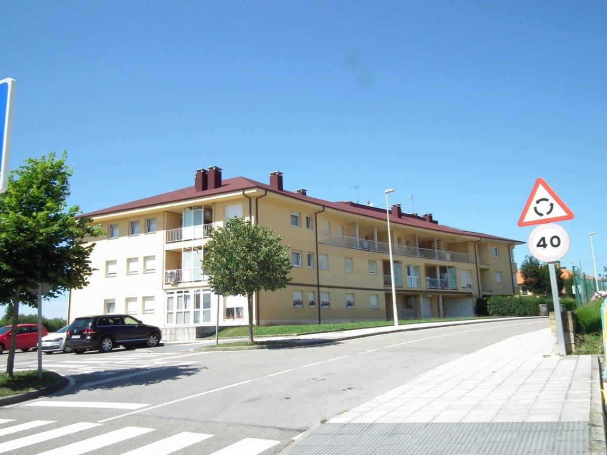 Piso en venta en Comillas  de 3 Habitaciones, 2 Baños y 84 m2 por 132.000 €.
