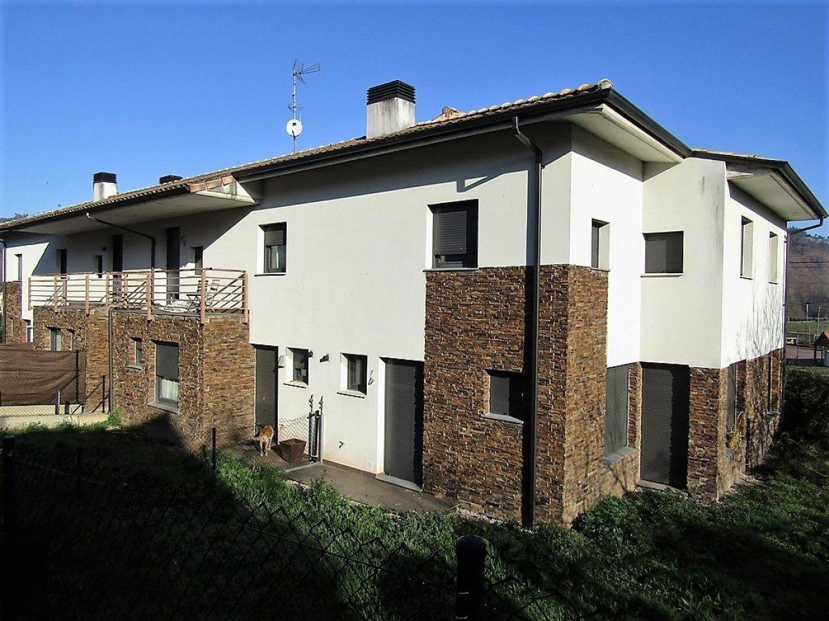 Adosado en venta en Barcenilla De Pielagos  de 2 Habitaciones, 2 Baños y 91 m2 por 111.500 €.