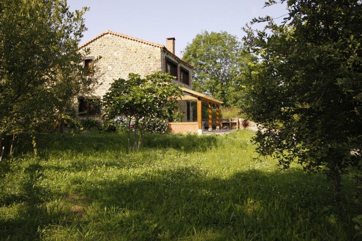 Chalet en venta en Val de San Vicente  de 3 Habitaciones, 2 Baños y 145 m2 por 193.000 €.