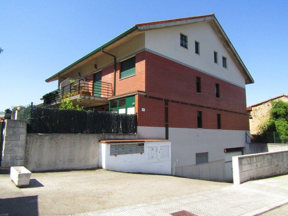Chalet en venta en Carandia  de 3 Habitaciones, 2 Baños y 153 m2 por 105.400 €.