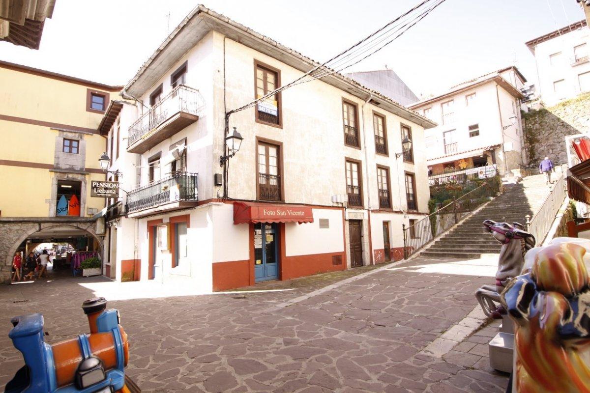 Edificio en venta en San Vicente De La Barquera  de 8 Habitaciones, 4 Baños y 312 m2 por 320.000 €.