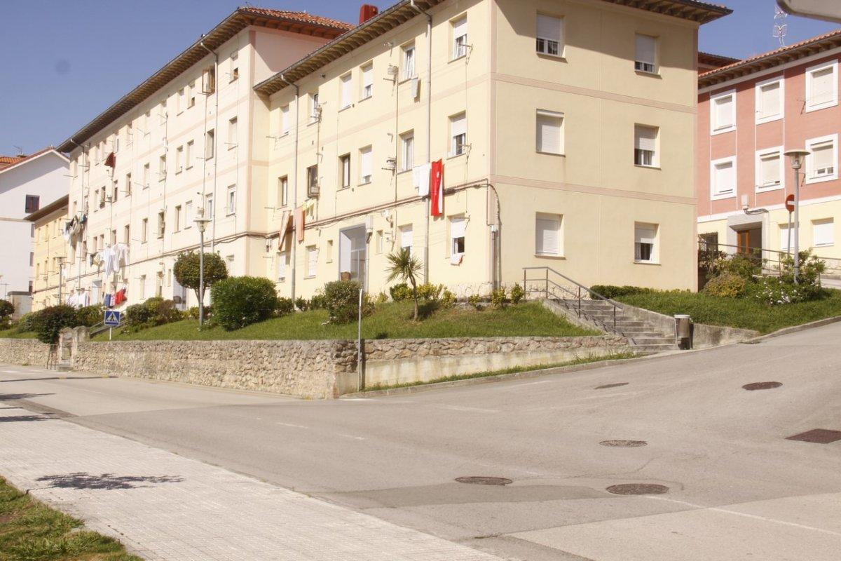 Piso en venta en San Vicente De La Barquera  de 3 Habitaciones, 1 Baño y 69 m2 por 73.000 €.