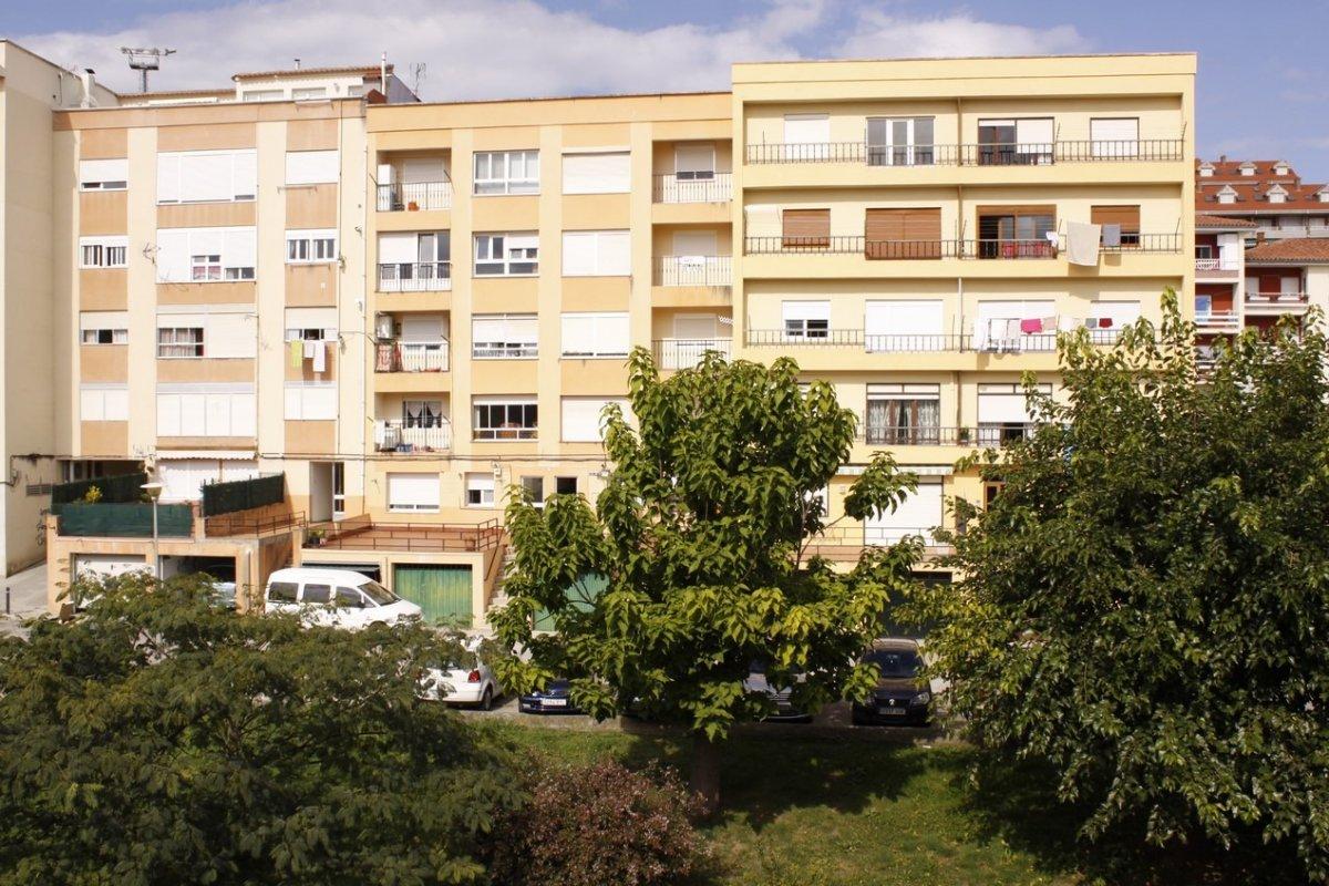 Piso en venta en San Vicente de la Barquera  de 3 Habitaciones, 1 Baño y 81 m2 por 78.000 €.