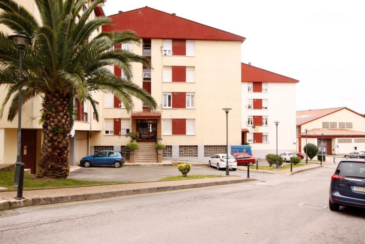 Piso en venta en San Vicente De La Barquera  de 3 Habitaciones, 2 Baños y 80 m2 por 98.000 €.