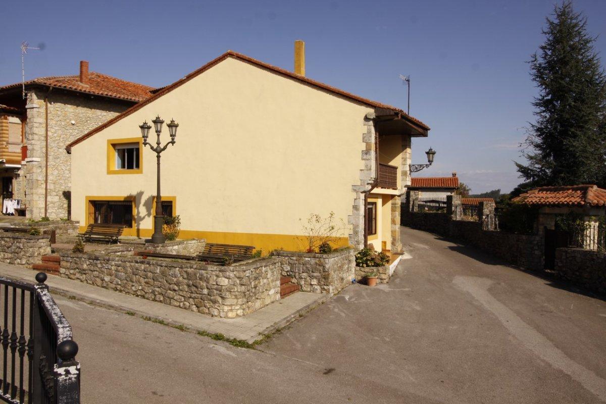 Casa en venta en Valdaliga  de 3 Habitaciones, 1 Baño y 148 m2 por 89.000 €.