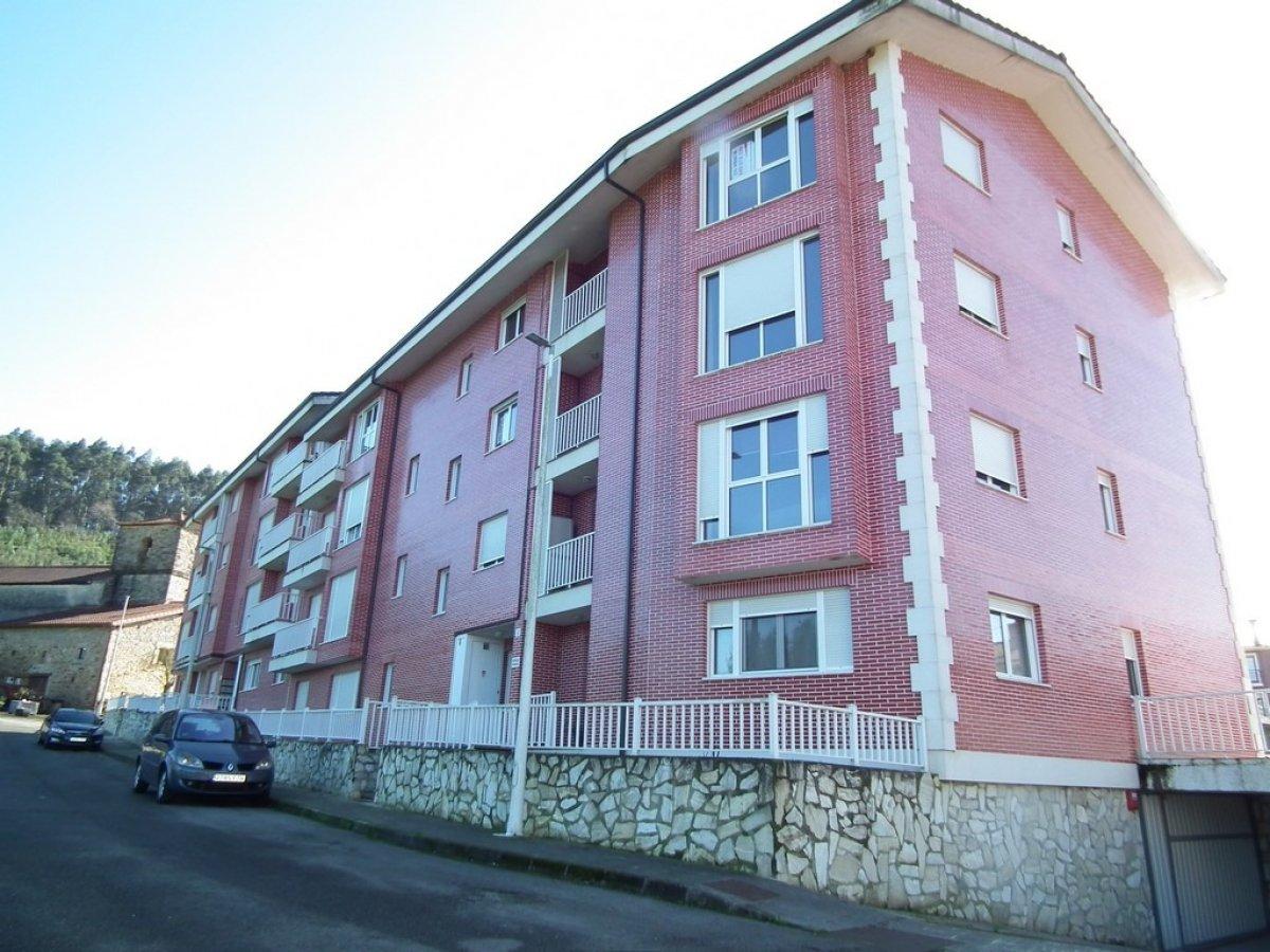 Piso en venta en Badames  de 3 Habitaciones, 2 Baños y 151 m2 por 60.000 €.