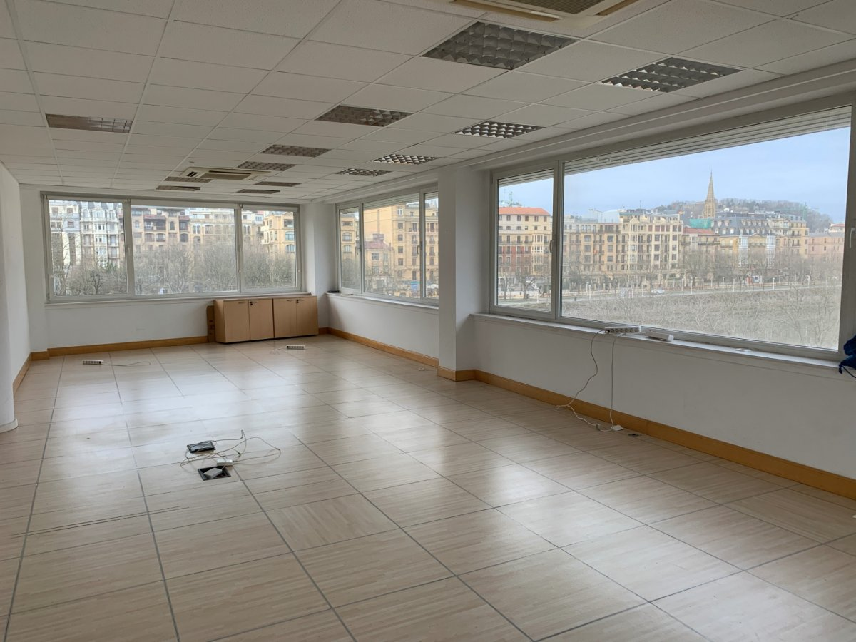 oficina en donostia-san-sebastian · centro 275000€