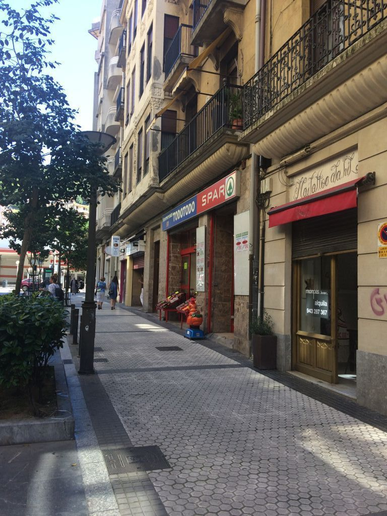 local-comercial en donostia---san-sebastian · gros 700€