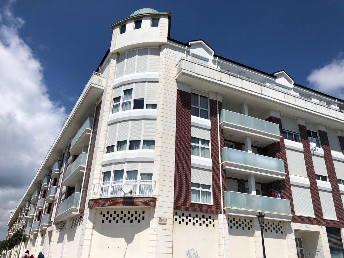 Ático Dúplex en alquiler en Colindres  de 5 Habitaciones, 3 Baños y 106 m2 por 800€/mes.