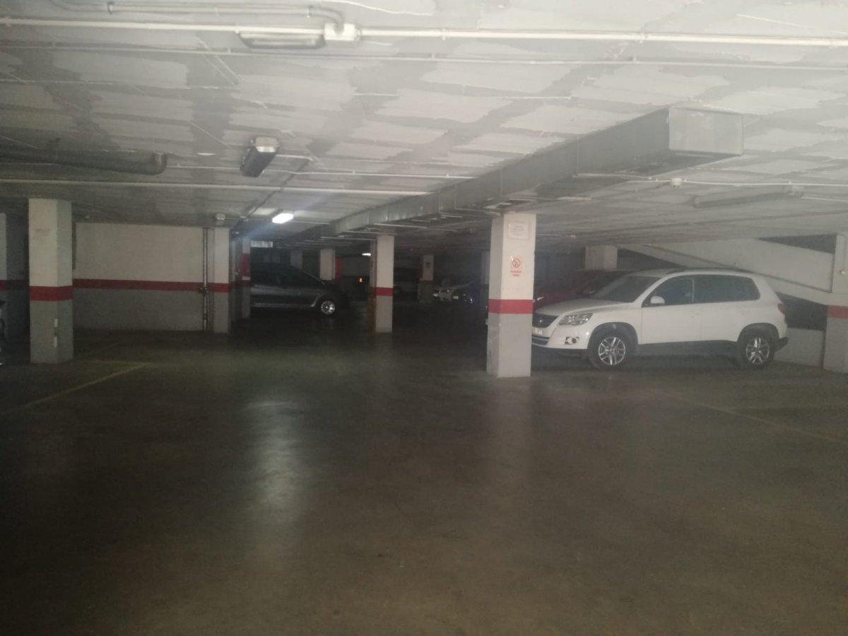 garaje en antequera · cruz-blanca---av-estacion 13700€