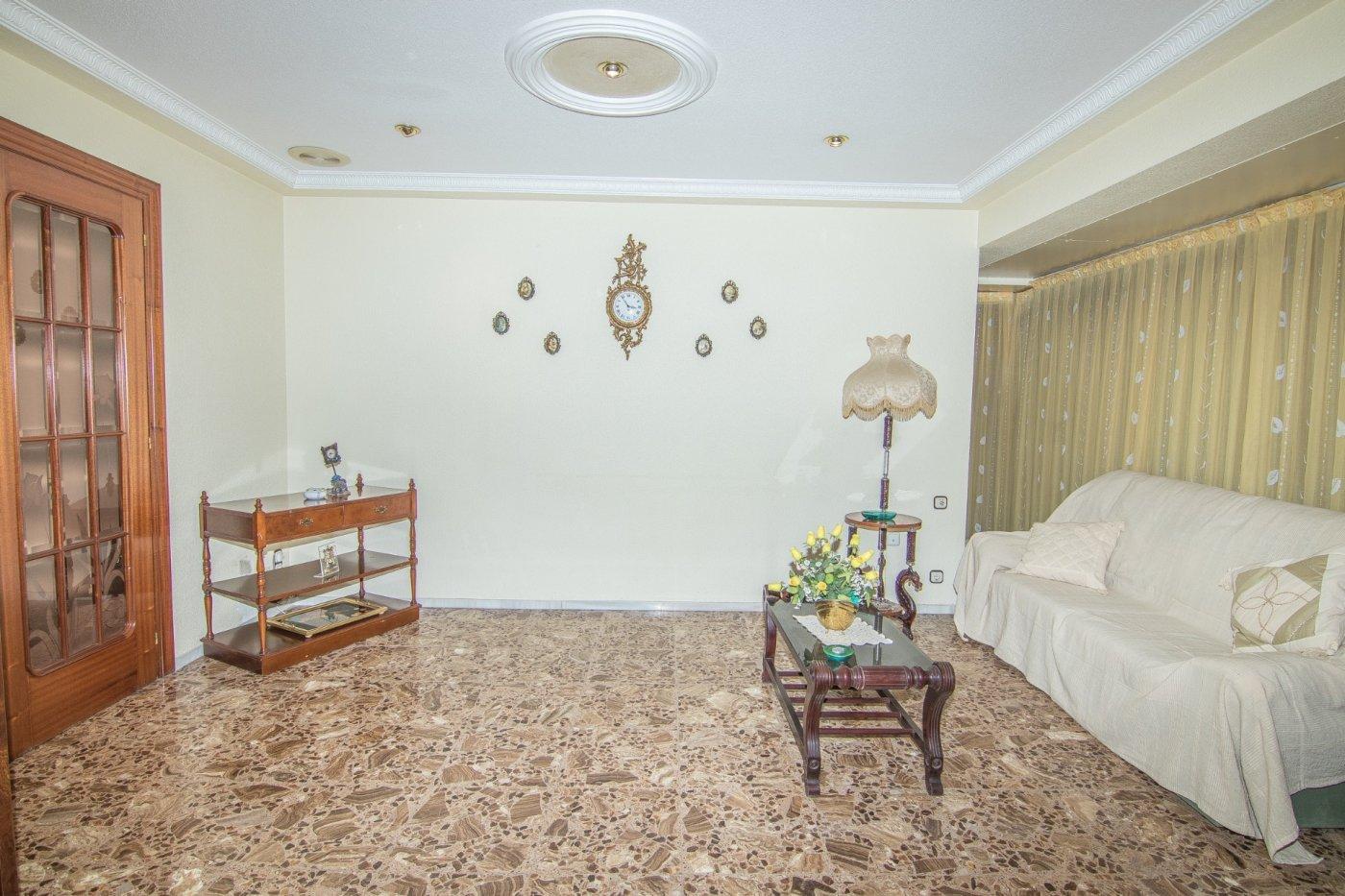 Alquiler de piso céntrico con ascensor, 4 habitaciones 2 baños