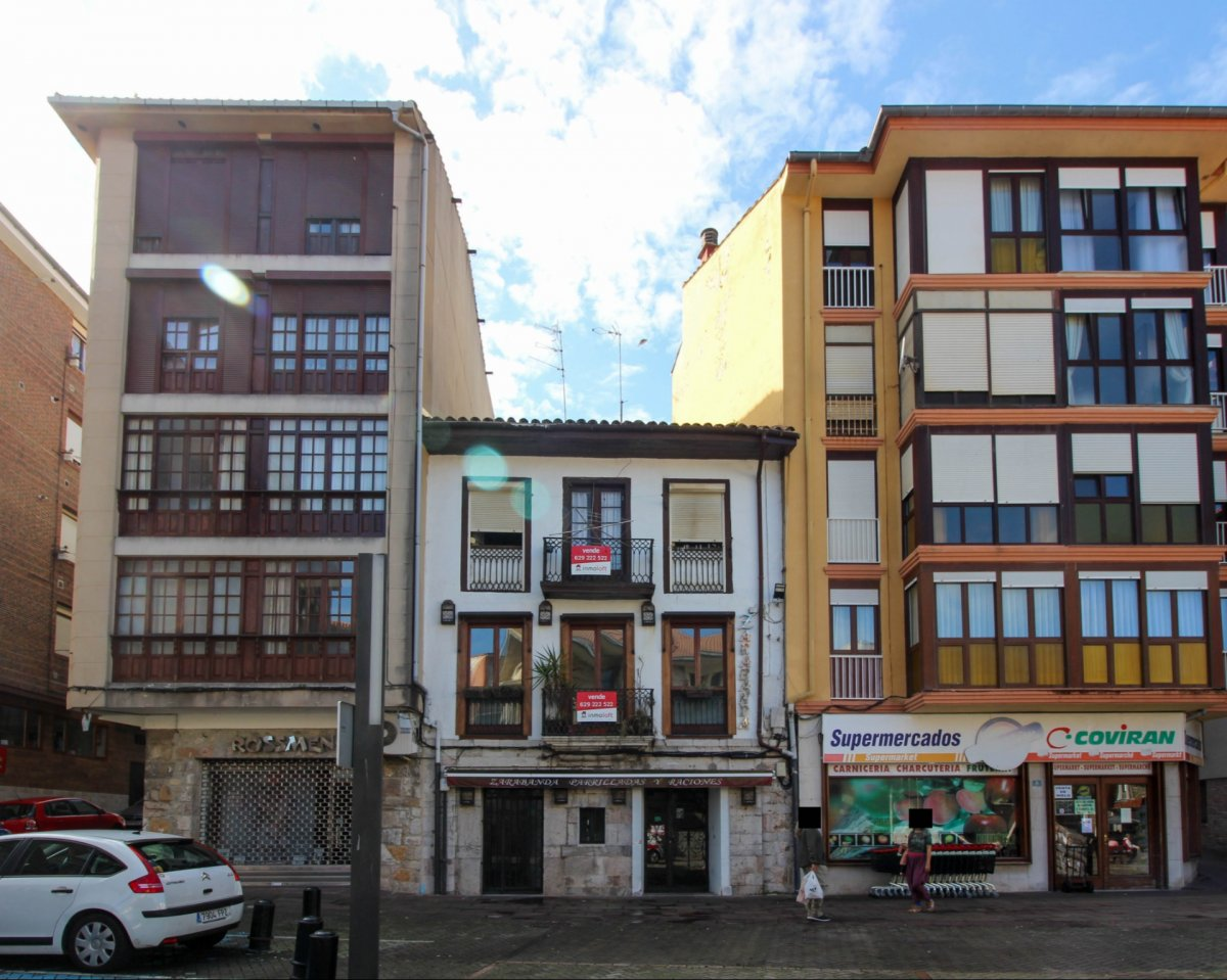 REF: Edificio - Edificio en Venta