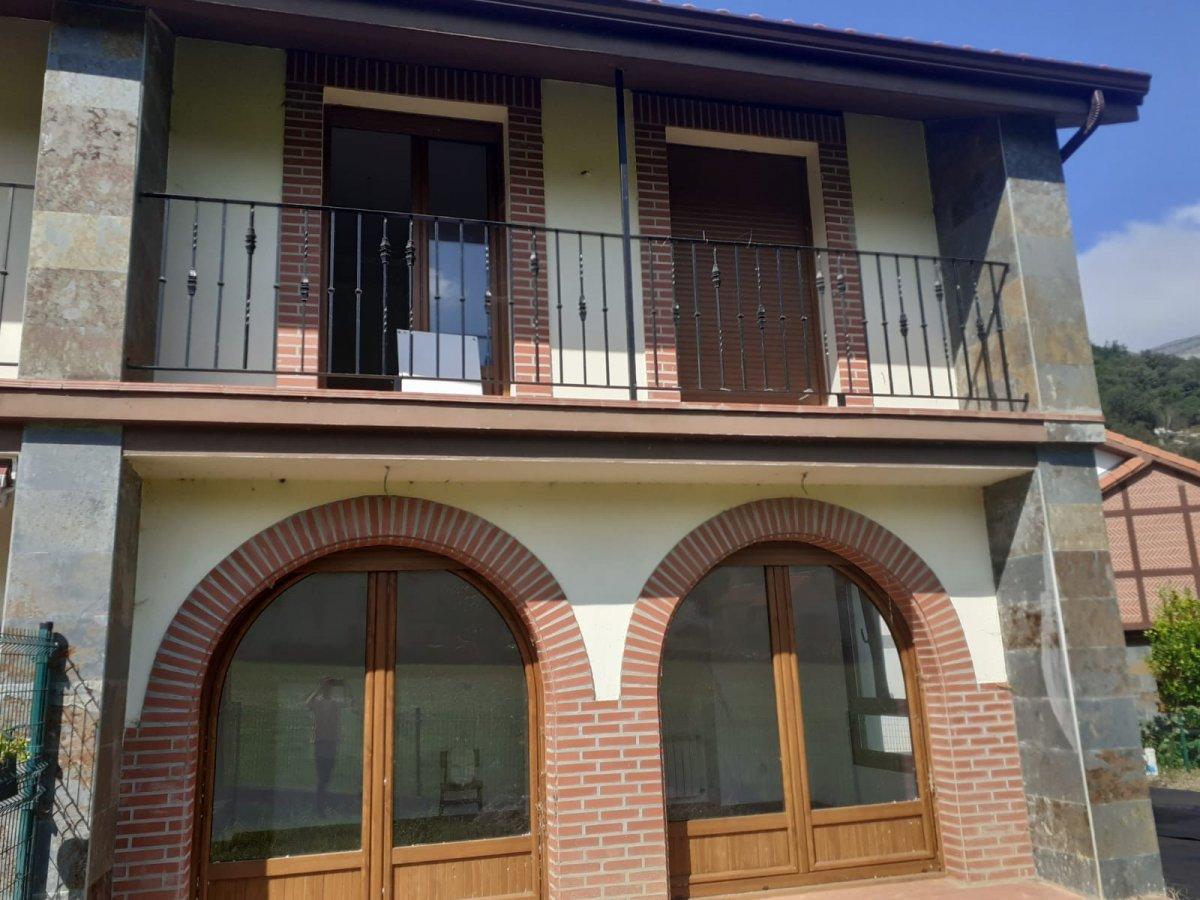 Chalet en venta en Ruesga  de 3 Habitaciones, 1 Baño y 97 m2 por 120.000 €.