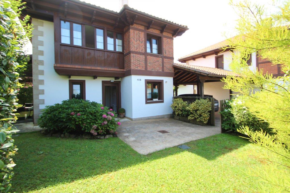 Chalet en venta en Ruiloba  de 4 Habitaciones, 3 Baños y 191 m2 por 465.000 €.
