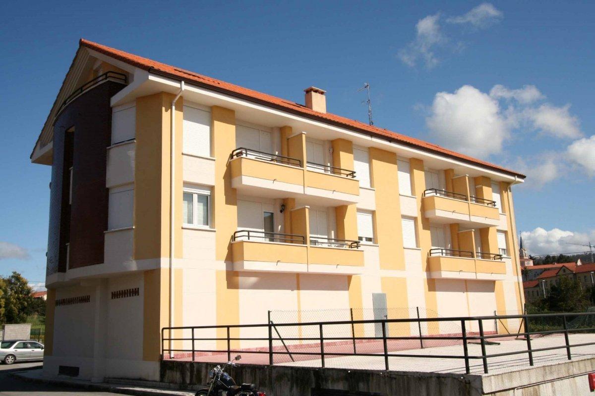 Dúplex en venta en Alfoz de Lloredo  de 3 Habitaciones, 2 Baños y 89 m2 por 120.000 €.