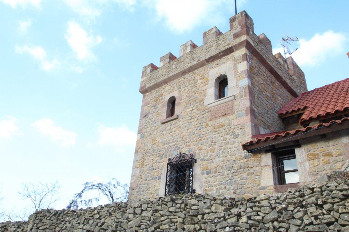 Casa en venta en Valdaliga  de 3 Habitaciones, 2 Baños y 237 m2 por 299.000 €.
