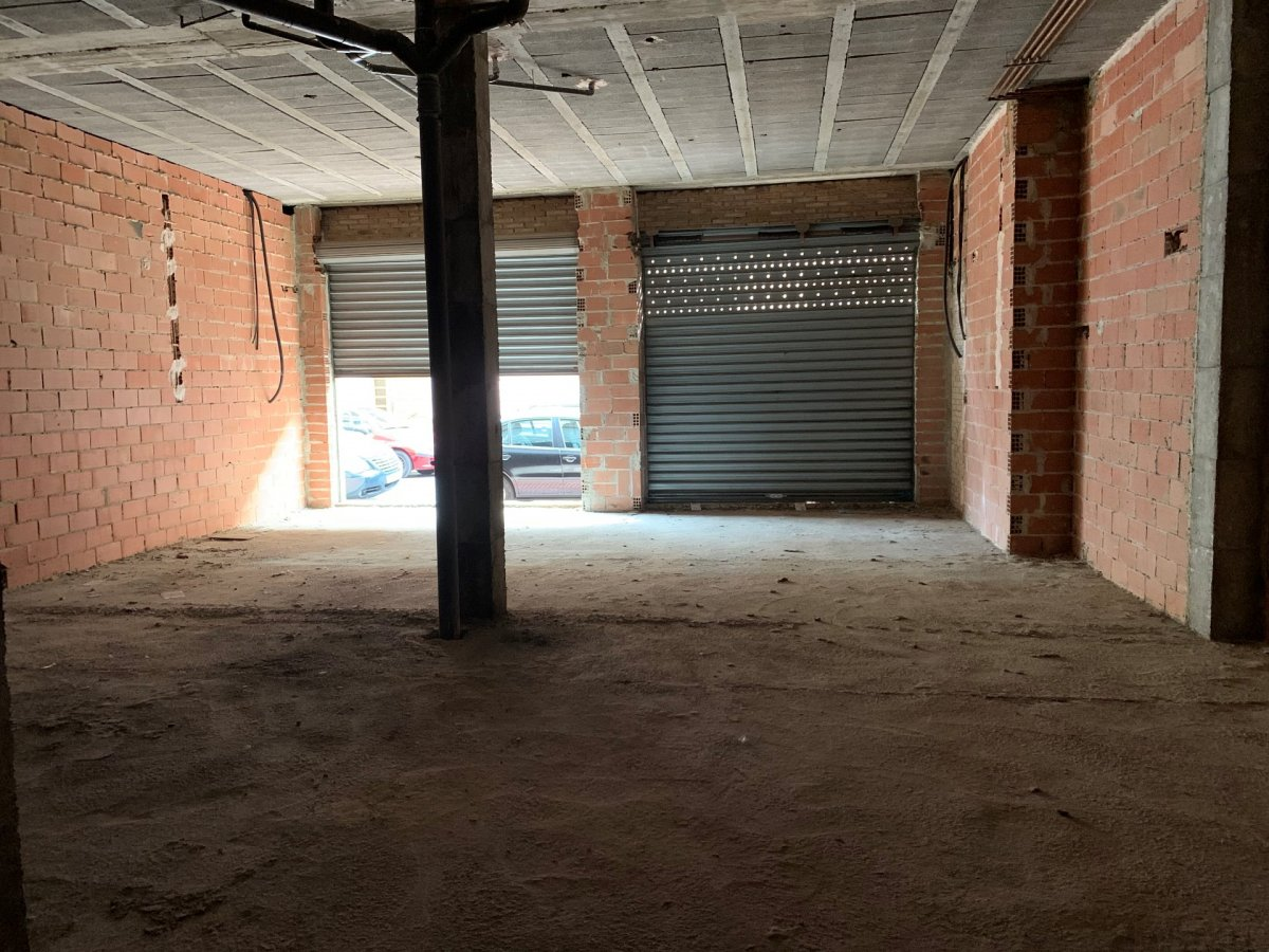 local-comercial en pucol · centro 200000€