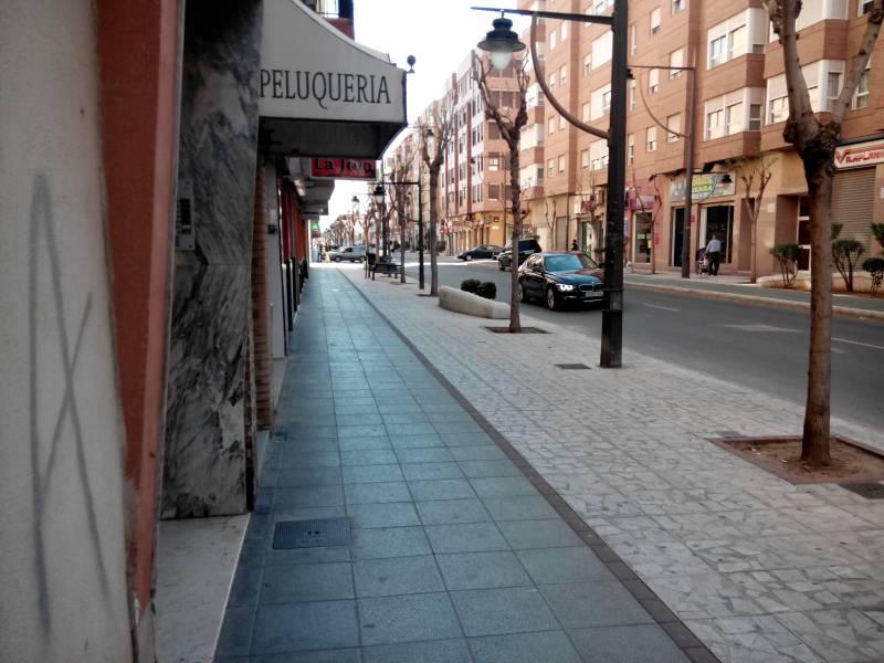 local-comercial en xirivella · - 490€