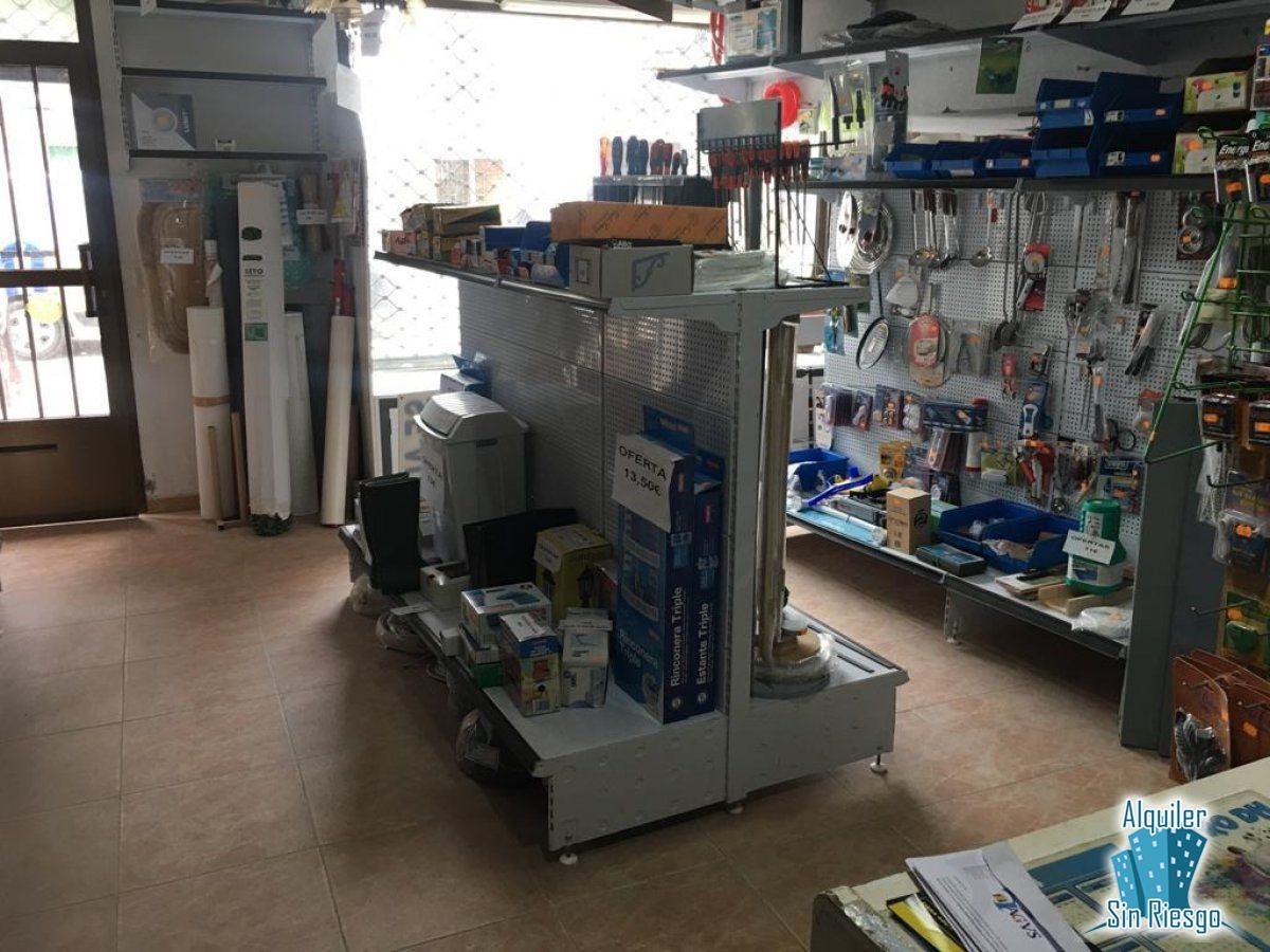 Local comercial en alquiler en Malpartida de Cáceres