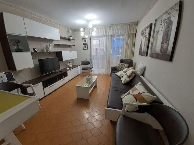 piso en las-palmas-de-gran-canaria · las-canteras 825€