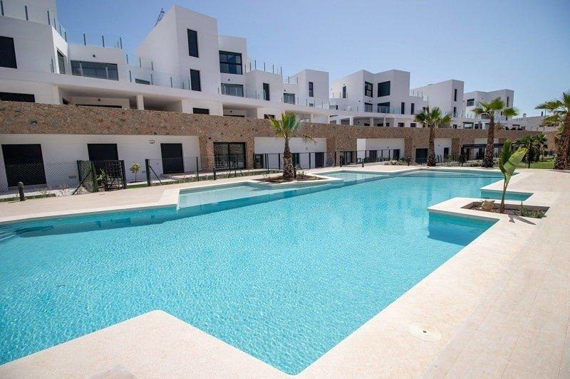 apartment en orihuela-costa · villamartin 169000€