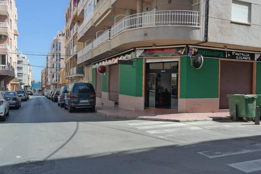 local-comercial en torrevieja · centro 290000€