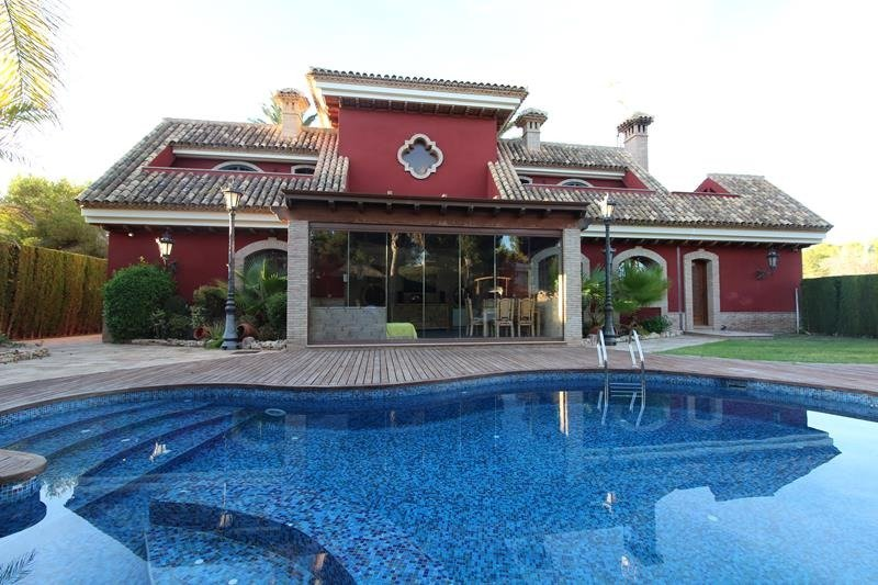 Вилла-класса-люкс en Orihuela-Costa · Campoamor 1550000€