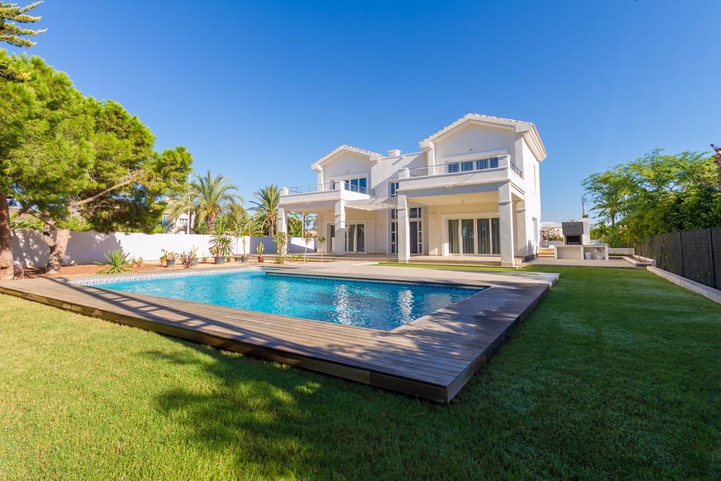 Вилла-класса-люкс en Orihuela-Costa · Cabo-Roig 3275000€