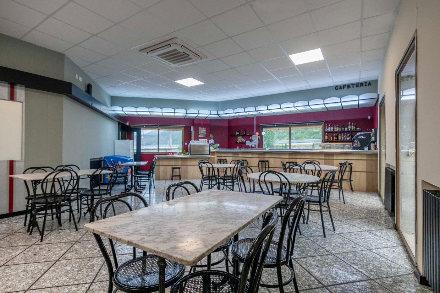 ¡Bar-Restaurante  de 430 m²+ Vivienda en propiedad !!