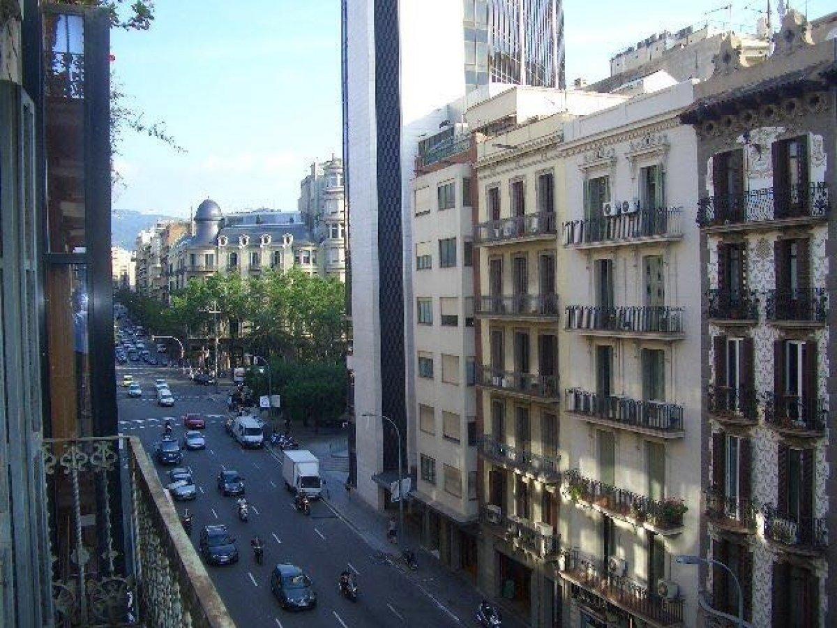 piso en barcelona · l´antiga-esquerra-de-l´eixample 1400€