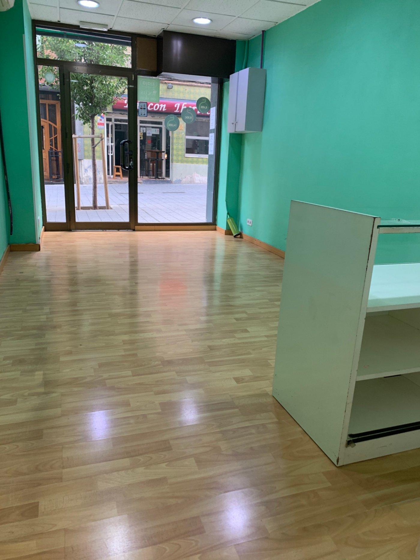 local-comercial en santa-coloma-de-gramanet · centre 525€