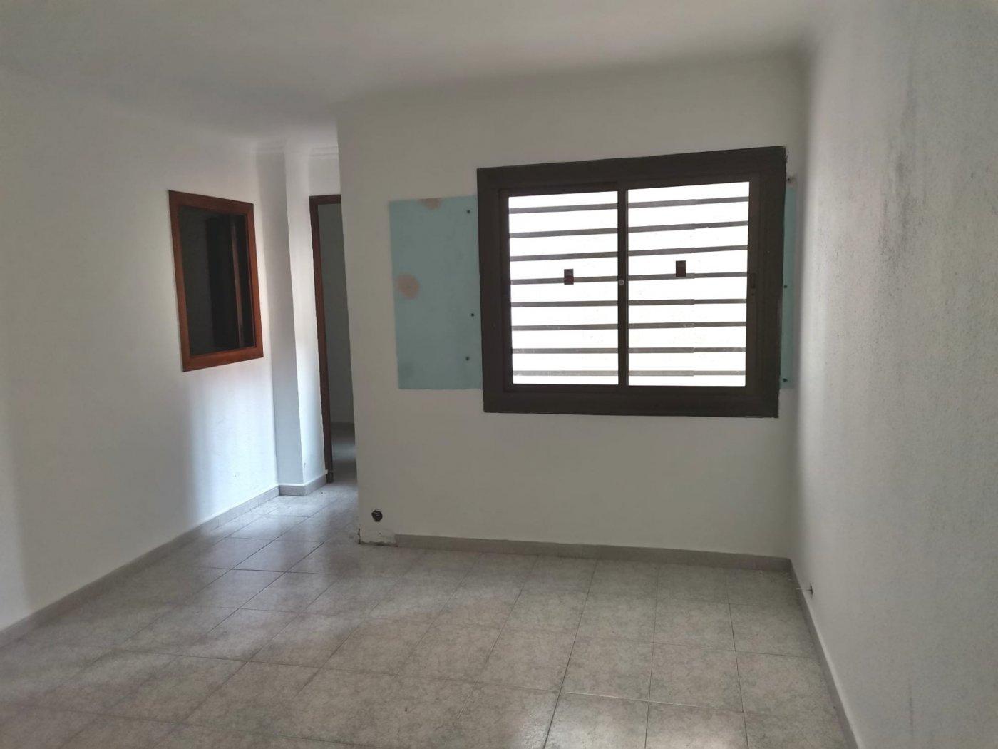 piso en santa-coloma-de-gramanet · santa-coloma-de-gramenet 94000€