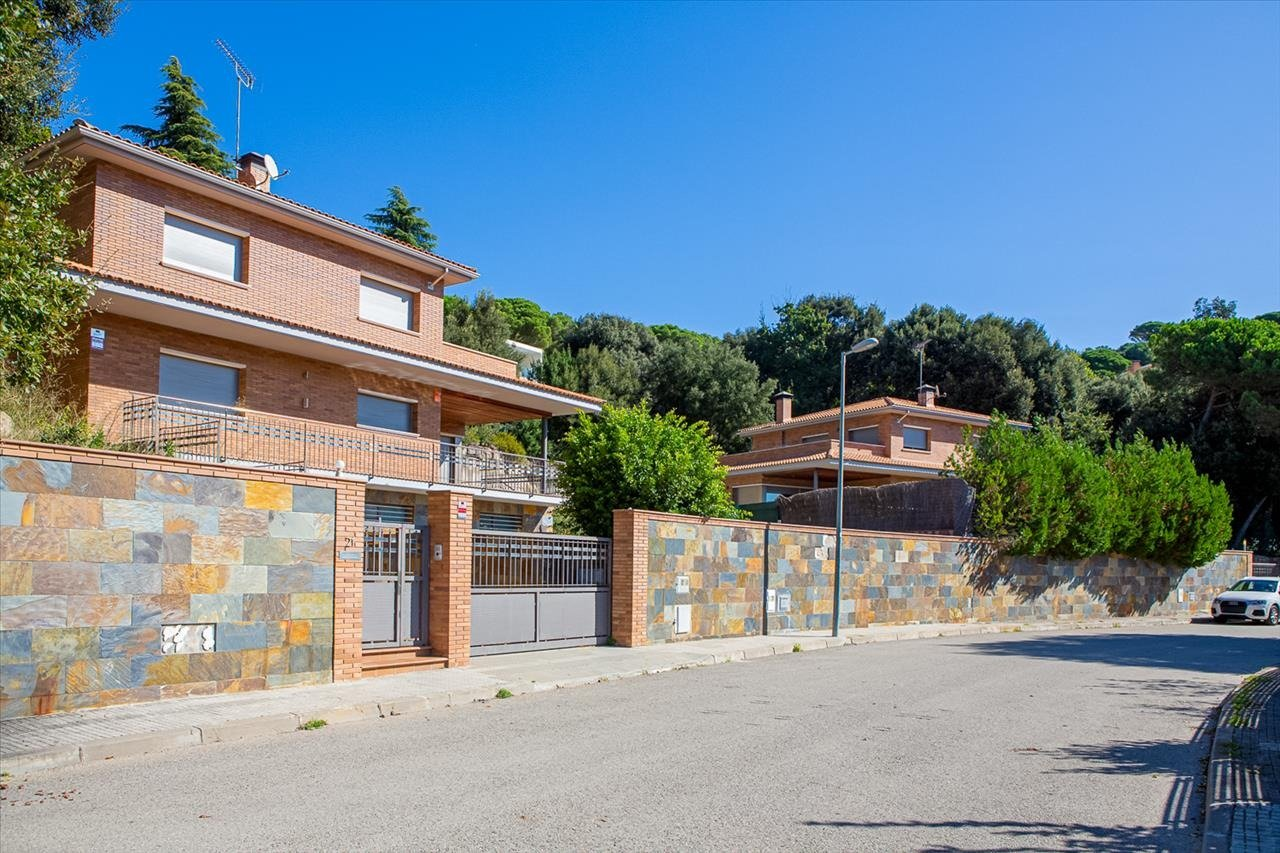 casa en vallromanes · can-galvany 550000€