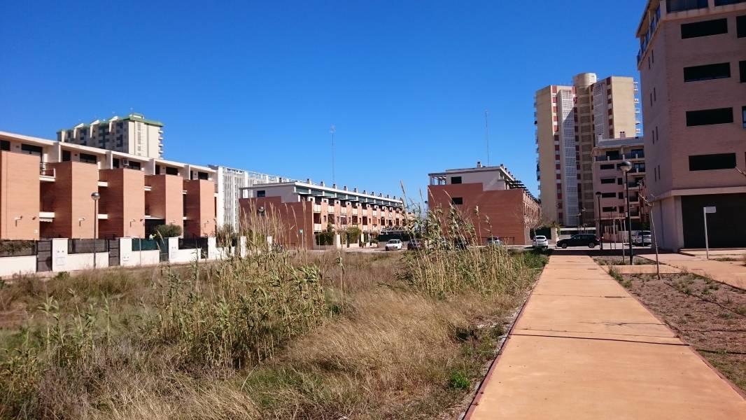 terreno-urbano en puig · playa 980000€