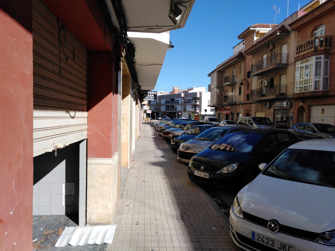 local-comercial en massamagrell · avenida-valencia 128000€