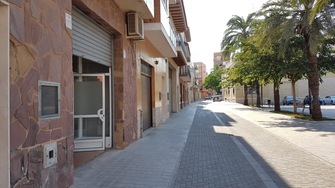 local-comercial en la-pobla-de-farnals · centro 450€