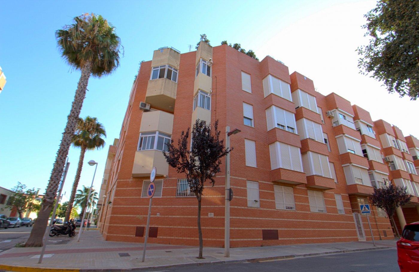 ¿Quieres vivir lo más cerca posible de Valencia? ¿Te gustaría que fuera una vivienda seminueva?