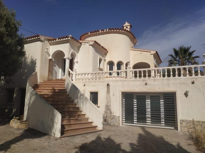 Casa para reformar en Calpe 650m a la playa