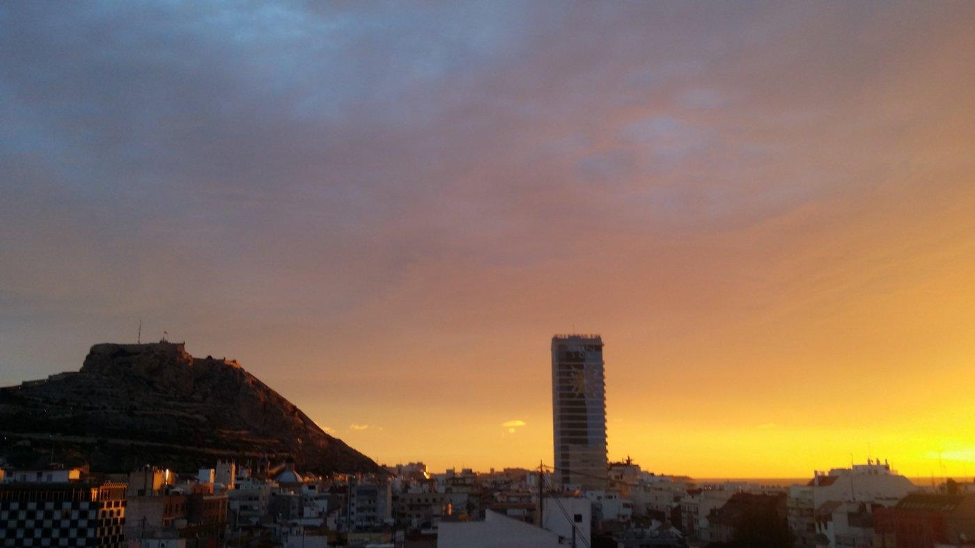 Exclusivo piso con vistas Panorámicas de Alicante y el mar